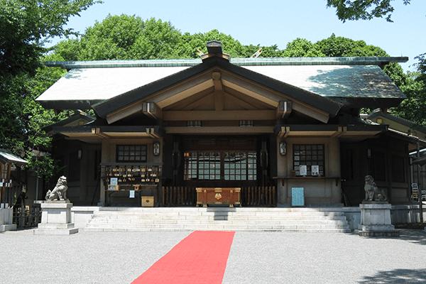 原宿「東郷神社」のZ旗にご利益あり?アクセスや挙式まとめ