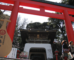 江ノ島神社の中津宮とは?ご利益は縁結び?お守りと参拝の仕方