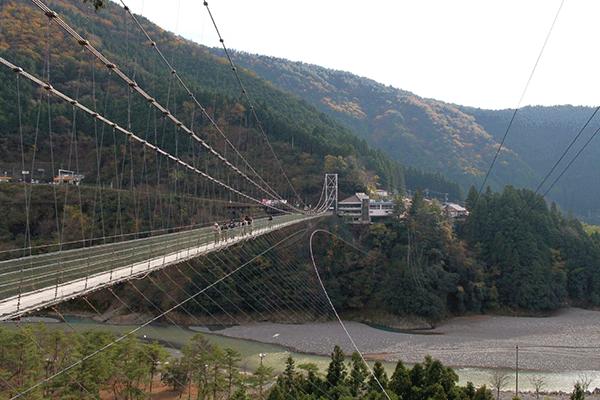 谷瀬のつり橋はパワースポット?日本最長のつり橋の秘密
