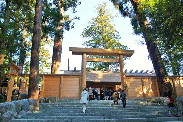 伊勢神宮の参拝は、外宮の豊受大神宮から
